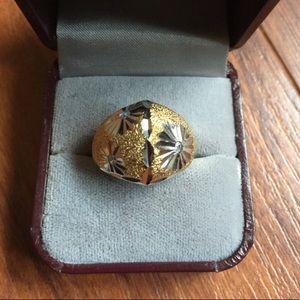 NWOT STUNNING gold silver ring